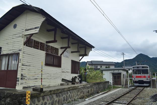 引き込み線に佇む電車
