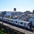 Photos: 堀切駅を通過する東急2020系電車