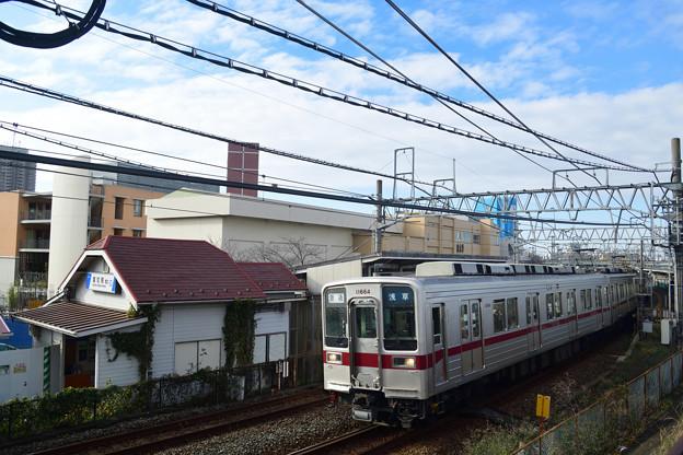 Photos: 10000型電車