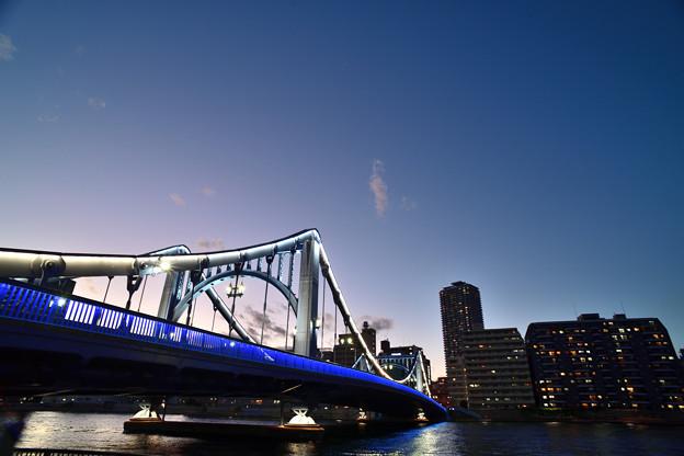 暮れ行く清洲橋