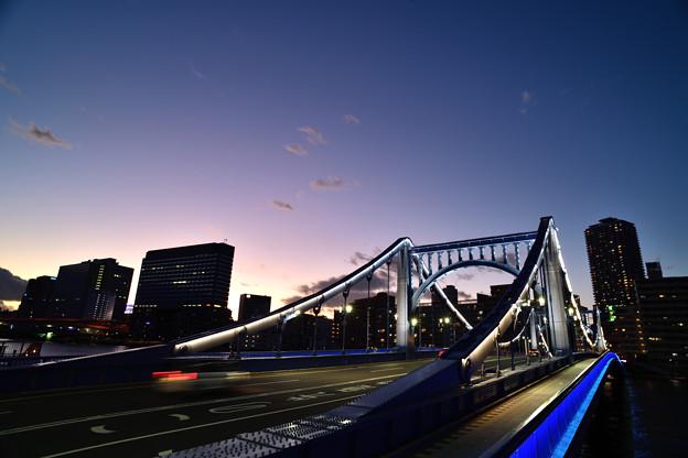 残照と清洲橋