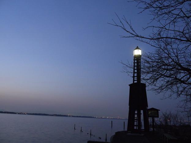 今堅田の出島灯台(でけじまとうだい)1