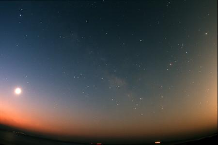 昇る夏の星座