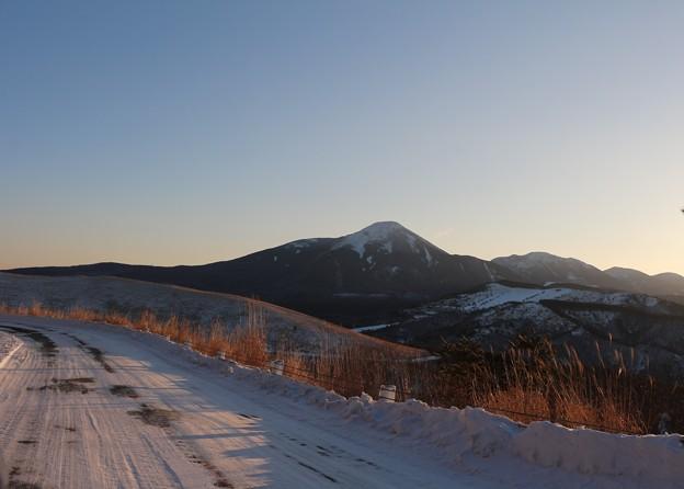 雪のビーナスラインと蓼科山