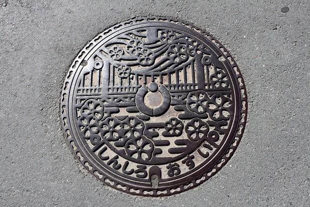 写真: 愛知県新城市(旧新城市)マンホール