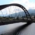 写真: 木曽川に架かる橋