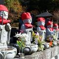 Photos: 六地蔵の一人だけ横向き地蔵さん