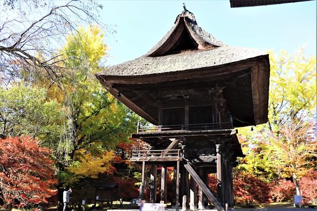 県宝霊松寺山門
