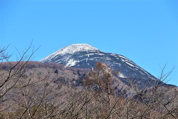 聖光寺から観る蓼科山