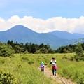Photos: 登山散策路を行く親子