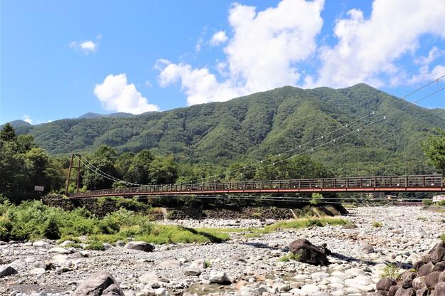 太田切川に架かるこまくさ吊り橋