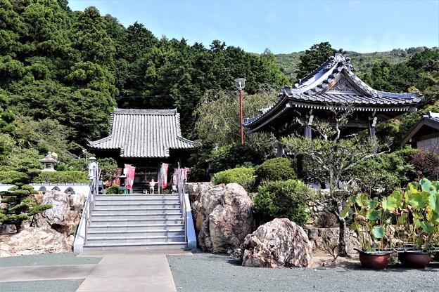 赤岩寺寺境内