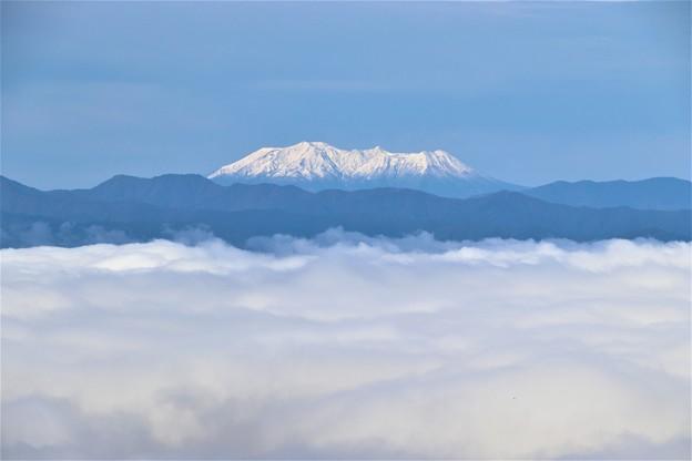 雲海と木曽御嶽山