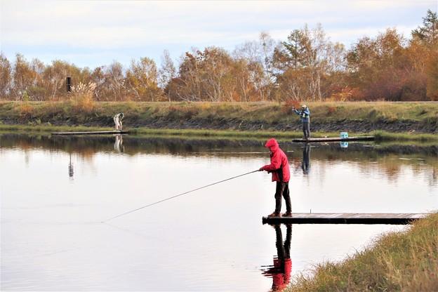 ルアーフィッシング釣り人
