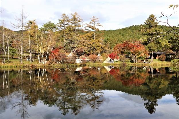 駒出池とキャンプ場