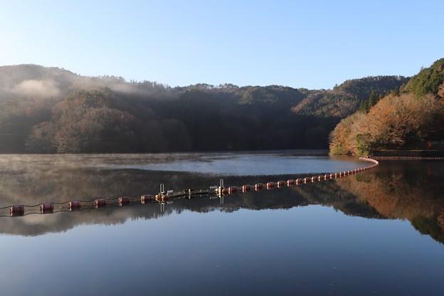 三河湖水鏡