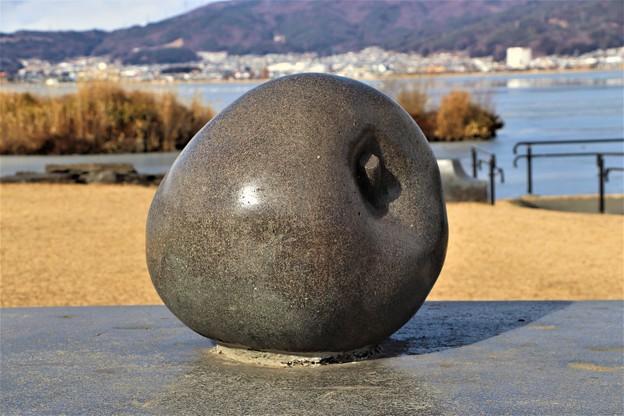 Photos: 「信州リンゴ」モニュメント