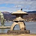 Photos: 湖上の八重垣姫の像