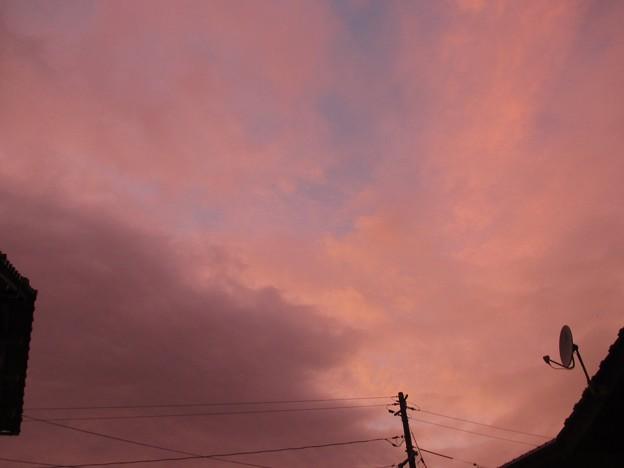 妙な色の夕暮れ