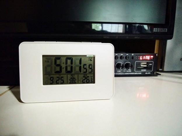 Photos: 卓上電波時計