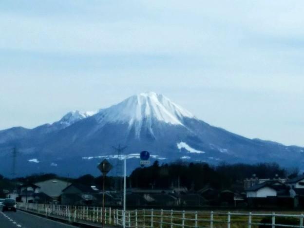 米子市某所から見た国立公園大山03