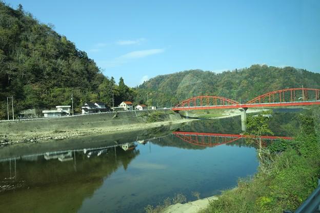 作木町江の川沿い