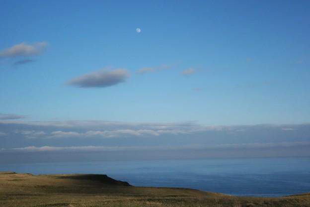 霧多布の月