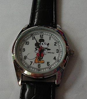 otona MUSE ィンテージ調ミッキーマウスの洒落てる腕時計