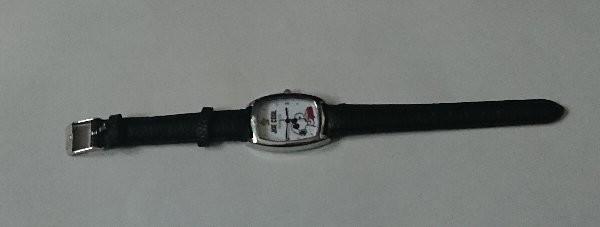 steady. スヌーピーの腕時計