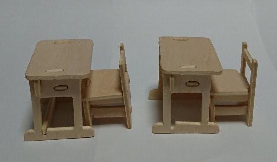 ウッドクラフト学校 机とイス フィギュア