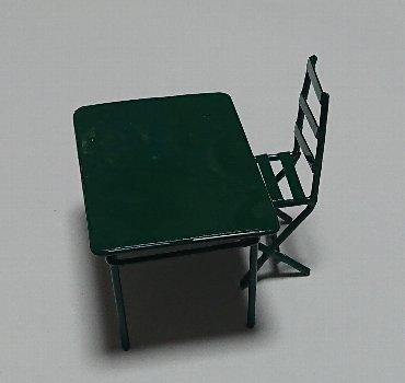 ミニチュア チェアー ・ミニチュア テーブル
