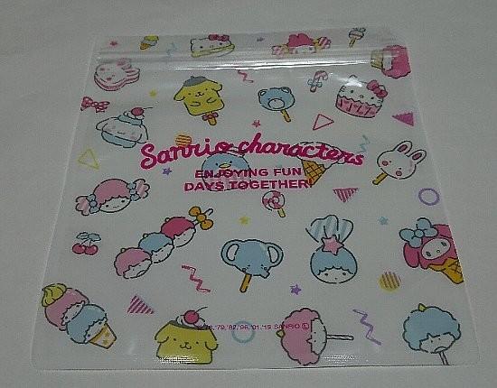 Photos: サンリオキャラクターズ FANCY ZIP BAG Mサイズ