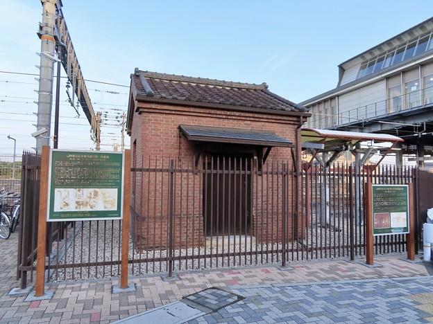 木曽川駅 レンガ積みの倉庫