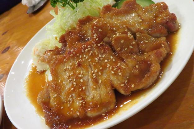厚切りロースの生姜焼き。