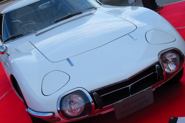 トヨタ2000GT ホワイト。