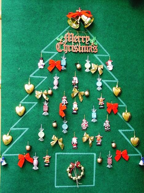 クリスマスツリーオンザウォール。