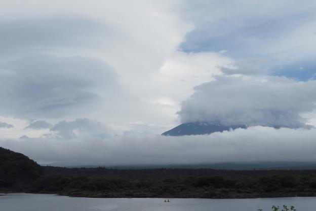 梅雨中の空模様。