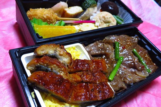 和牛とうなぎのごちそう弁当。