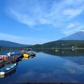朝日の当たる桟橋。