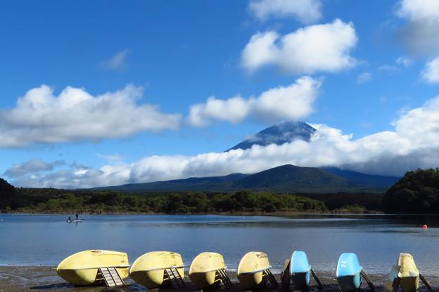 台風過ぎて精進湖の雲模様。