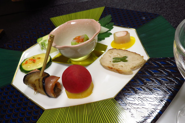 旅館夕食、前菜。