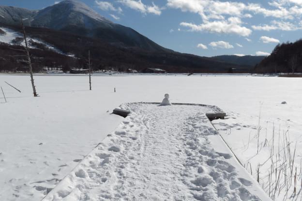 雪の桟橋一人ステージ。