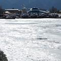 Photos: 氷る諏訪湖は氷らない。