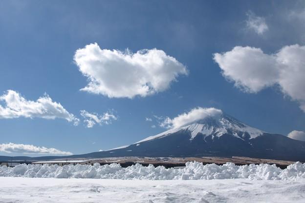雪のち晴れの雲模様。