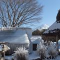Photos: 凍りつく小屋。