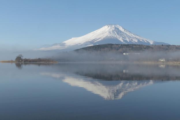霧のち快晴、山中湖。