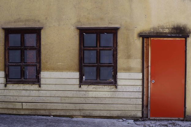 Photos: オレンジのドア