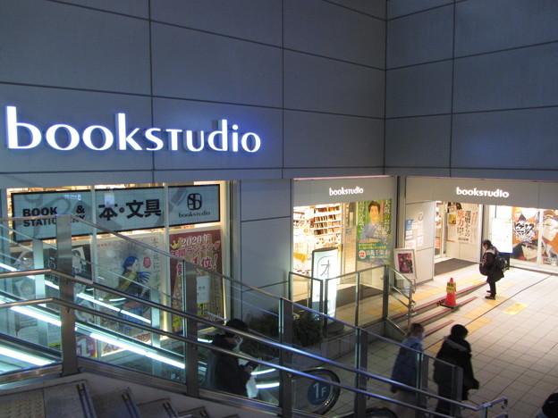 ブックスタジオ大阪店
