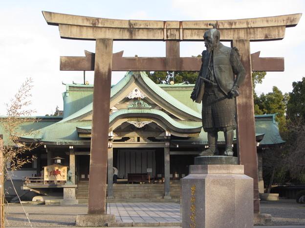 豊國神社・豊臣秀吉像(大阪城公園内)