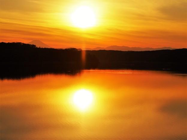 写真: 二つの太陽